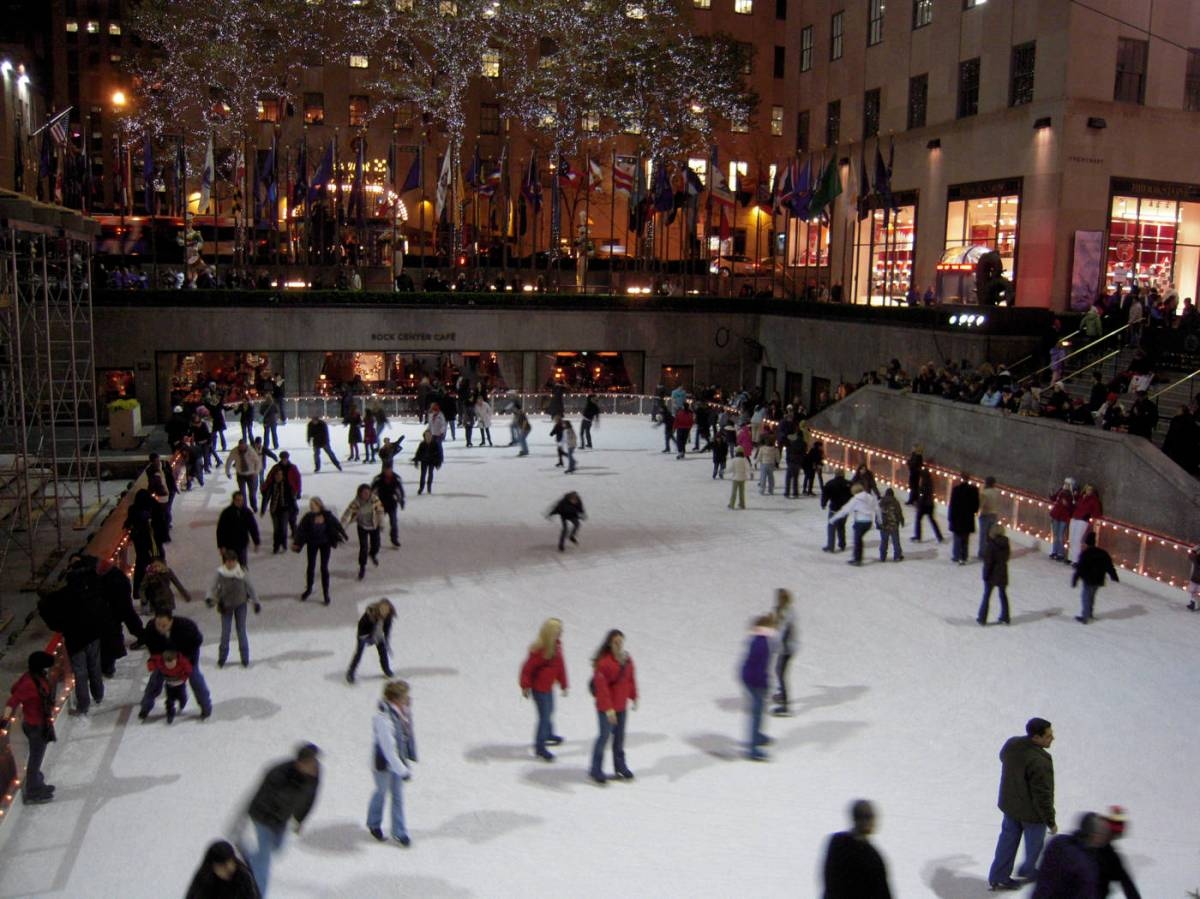 Ice-Skating-at-Bryant-Park